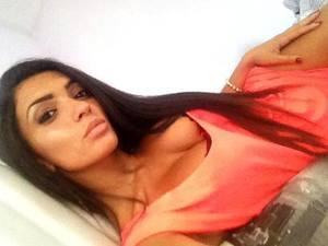 Elba from  is looking for adult webcam chat