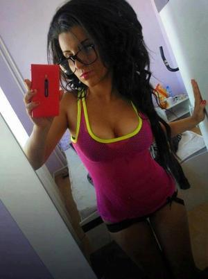 Meet local singles like Kristel from Kentucky who want to fuck tonight